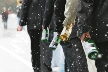"""Iš """"Iki"""" parduotuvės išnešto alkoholio vagims gerti neteks"""