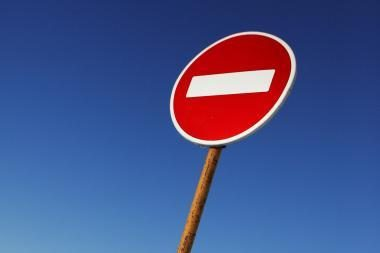 Dviejų turizmo bendrovių pareikalauta nutraukti veiklą