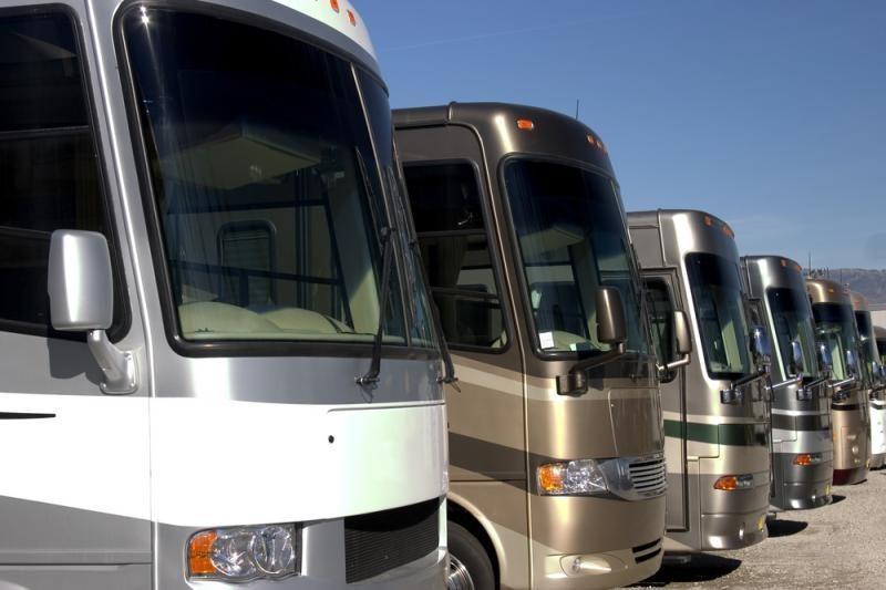 Mažės rinkliavos verslui už keleivių ir krovinių vežimą