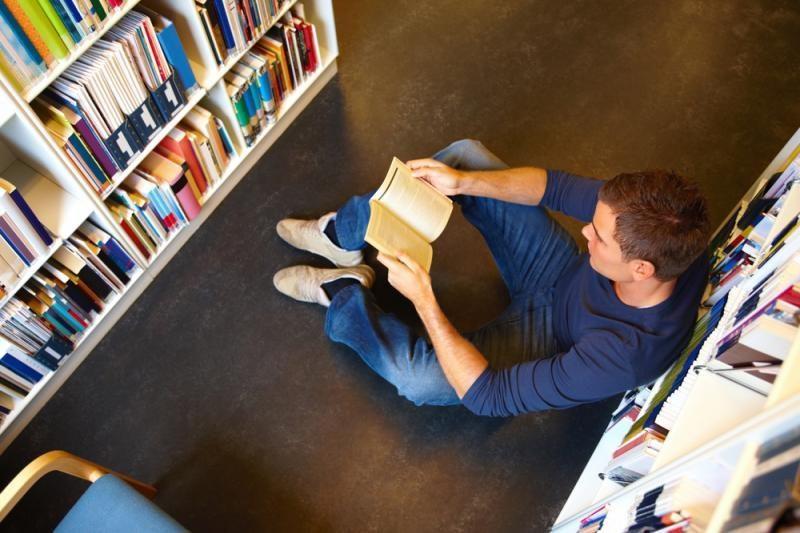 Knygų žiurkės kampelis: grėsmės, džiaugsmai, nusivylimai