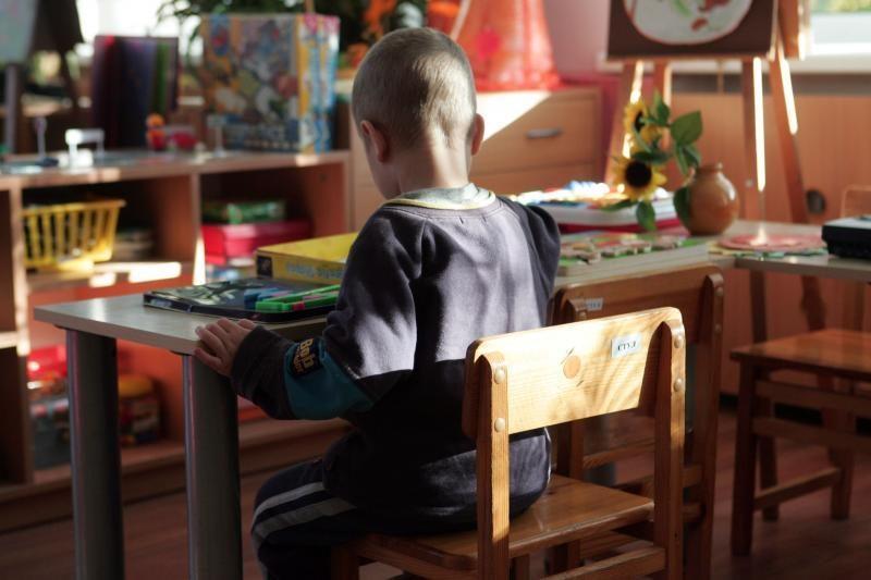 """Vilniaus darželiuose vaikai drausminami """"kėdute"""""""
