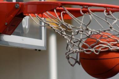 Lietuviai krepšinio turnyre tarp Baltijos šalių parlamentarų - antri