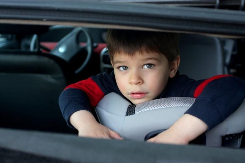 Pagal naująją vaikų vežimo tvarką kėdučių gali reikėti ir 12-mečiams