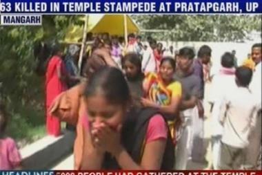 Indijos šventykloje per spūstį žuvo 63 žmonės, dešimtys sužeisti