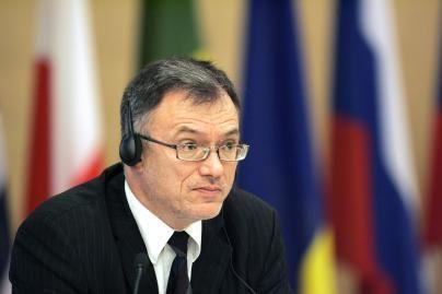 Diplomatų pastangos – mįslė lietuviams