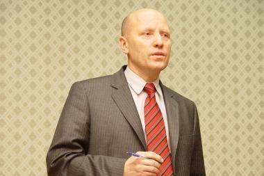 R.Palaitis pasisakė apie įtariamus kontrabandininkus ginantį buvusį pasienietį