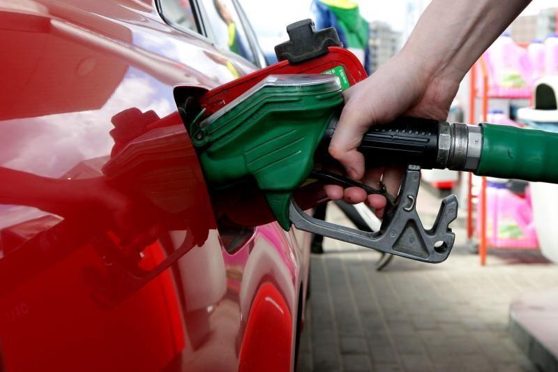 Kas penktas vairuotojas automobilį maitina degalais iš Baltarusijos