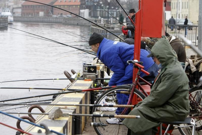 Pensininkai, paaugliai ir neįgalieji galės žvejoti nemokamai