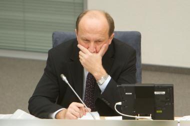 """Vyriausybė nebėra tikra dėl """"Sodros"""" mokesčių didinimo"""