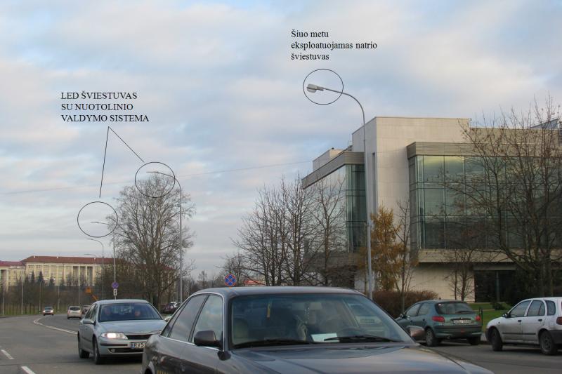 Prie Seimo švies nuotoliniu būdu valdomi LED šviestuvai
