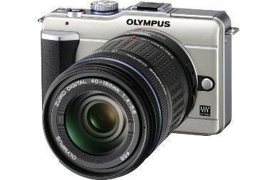 """Olympus E-PL1: """"kišeninis"""" hibridas, pralenkęs veidrodinius fotoaparatus"""