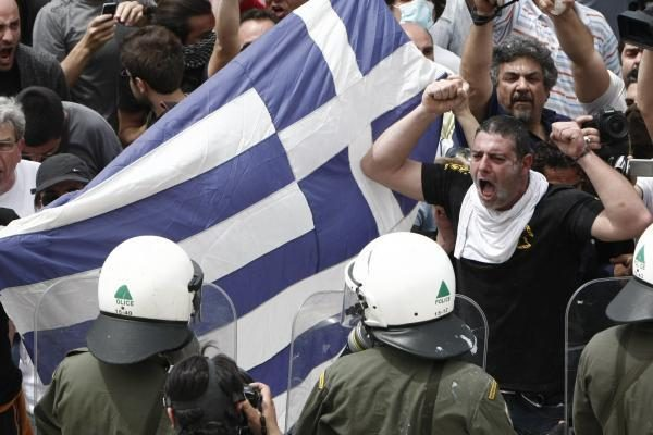 Graikai vėl protestuoja