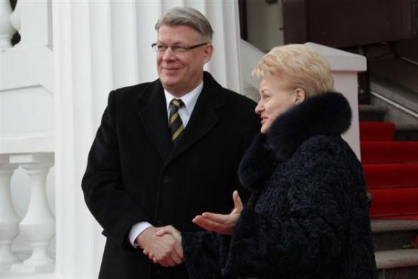 Prezidentė pasveikino Latvijos vadovą Nepriklausomybės dienos proga