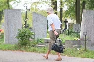 Kapinėse vagiliavusį vyrą sulaikė duobkasiai