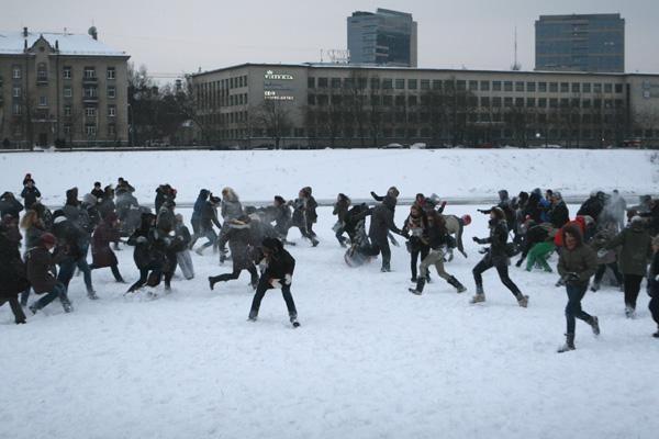 Šeštadienį Vilniuje jaunimas vėl mėtysis sniegu. Šįsyk - teisėtai (papildyta)