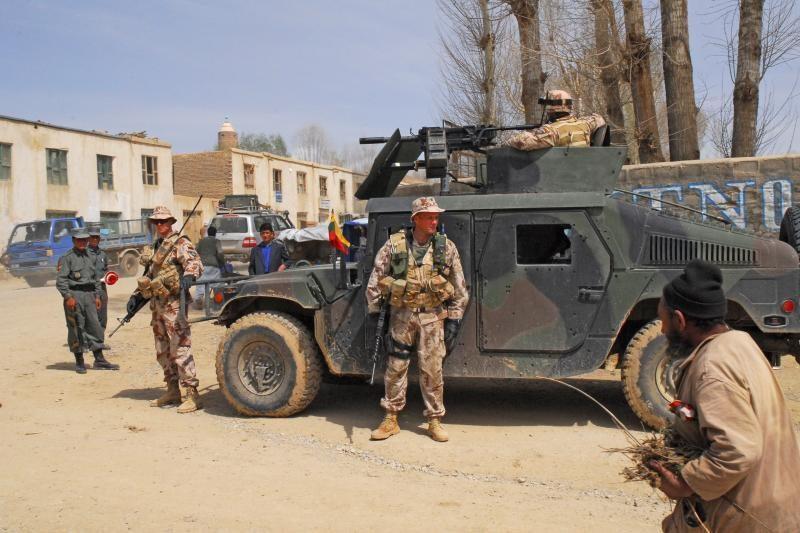 Lietuvos delegacija aplankė Afganistane tarnaujančius karius