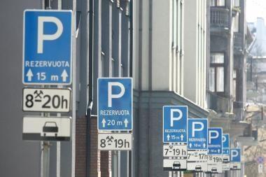 Kiek kainuoja neleistinoje vietoje paliktas automobilis?