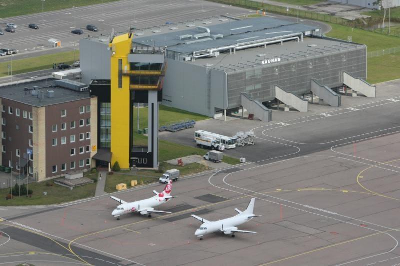 Kauno oro uoste padaugėjo ir skrydžių, ir keleivių