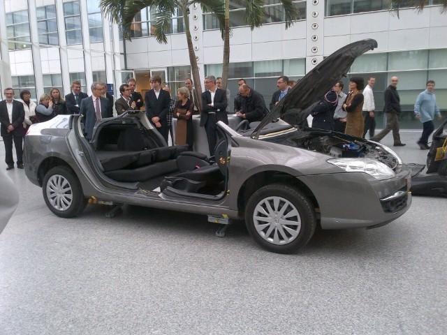 """""""Renault"""" suprojektavo pirmąjį išmontuojamą automobilį (foto)"""