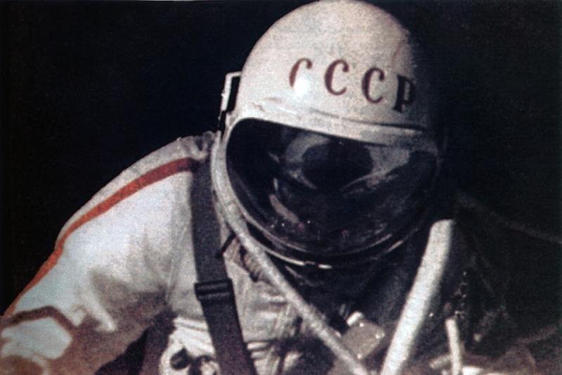 Sovietų Sąjungos kosmonautų skafandras parduotas už 112 tūkst. eurų