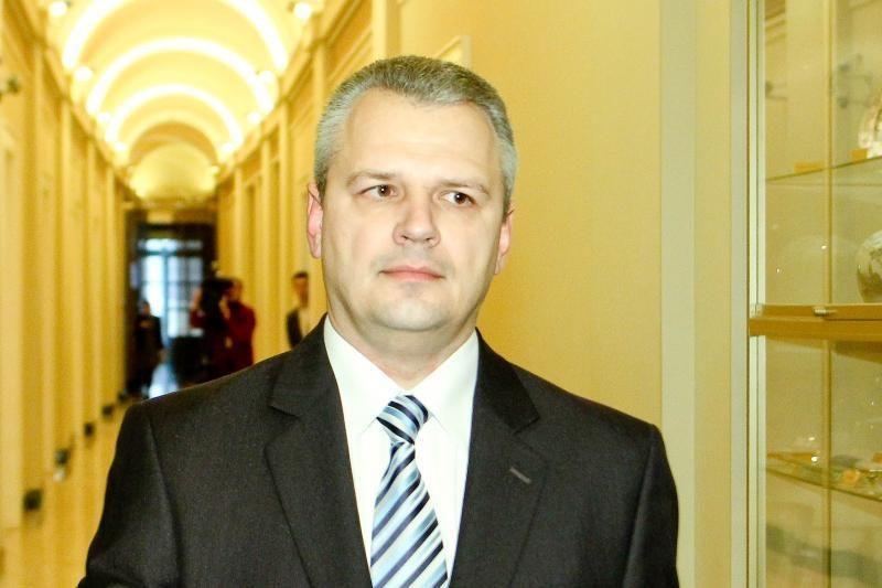 Žemės ūkio ministras vizitus į užsienį pradėjo prabangiai