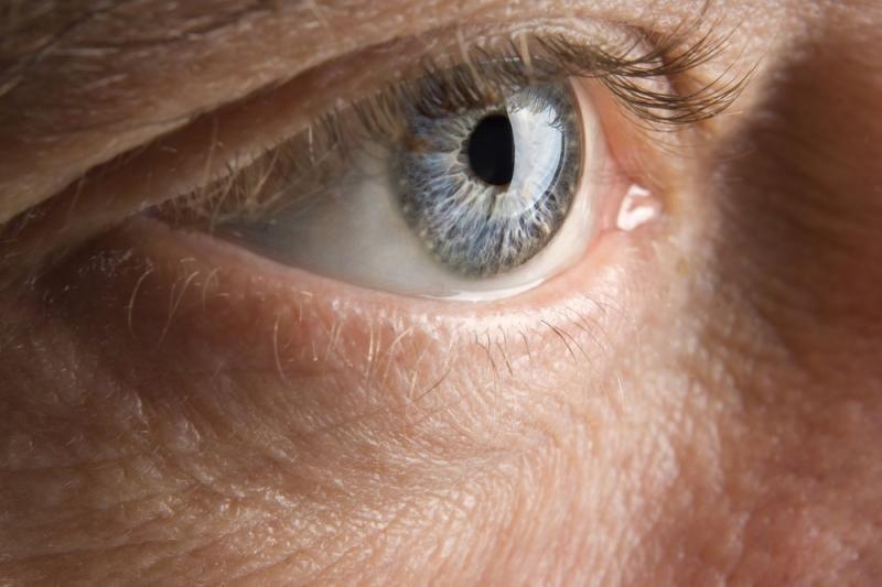 Netolima ateitis: akimis valdomi išmanieji telefonai