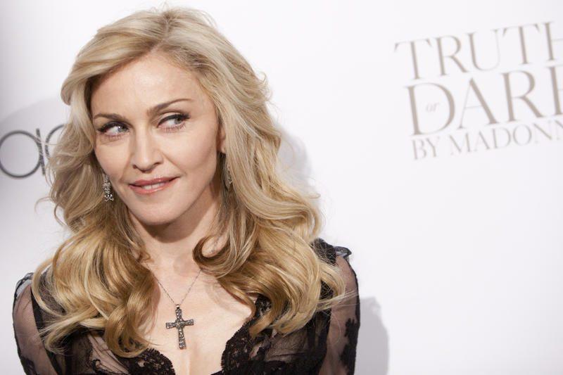 Aukcione parduodamas nuogos Madonnos atvaizdas