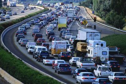 Daugėjo automobilių iš Amerikos