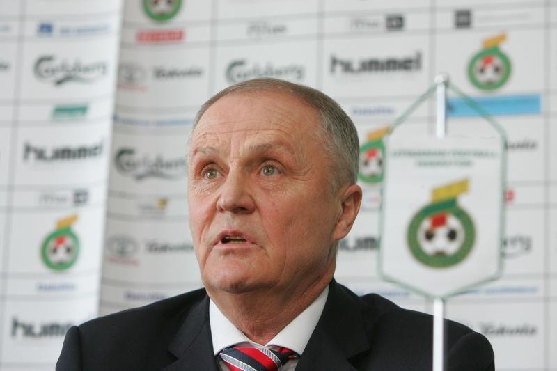 Nušalinta Lietuvos futbolo galva kreipėsi į teismą