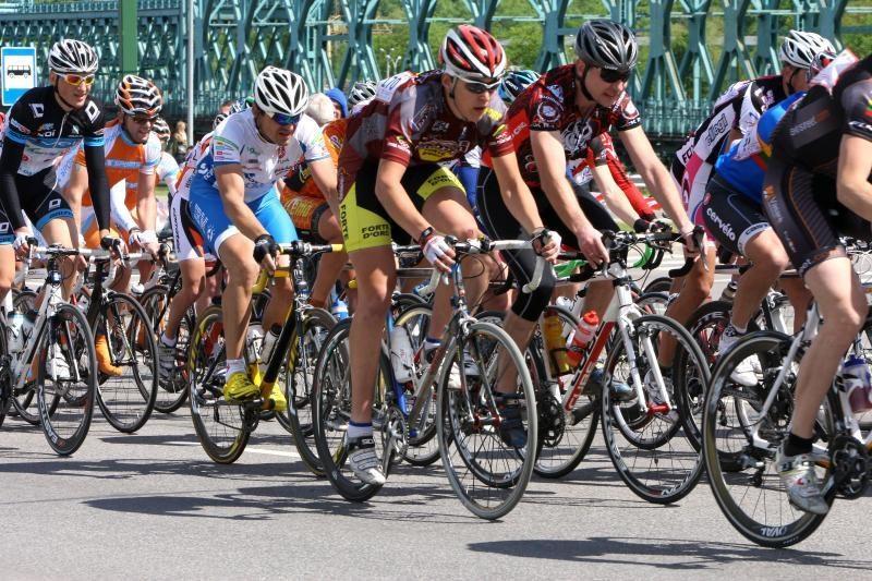 Sekmadienį per dviračių maratoną mieste bus ribojamas eismas