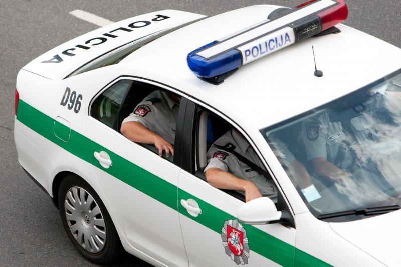 Į avariją patekęs policininkas atsisakė tikrintis girtumą