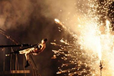 Rotušės aikštėje - ugnies, šviesų ir fejerverkų spektaklis