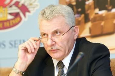 Susikivirčiję Seimo etikos sargai pasimetė tarp sprendimų dėl savo vadovo