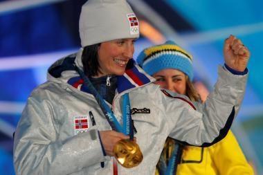 Olimpinėse slidinėjimo varžybose dominuoja norvegė M.Bjoergen
