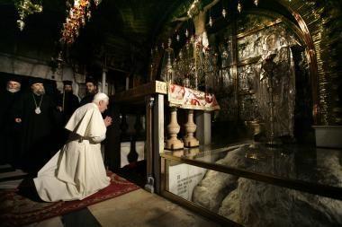 Ant popiežiaus gimtųjų namų Vokietijoje - nepadori frazė