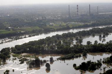 Varšuvoje dėl potvynio uždaromos mokyklos, svarstomas evakuacijos planas