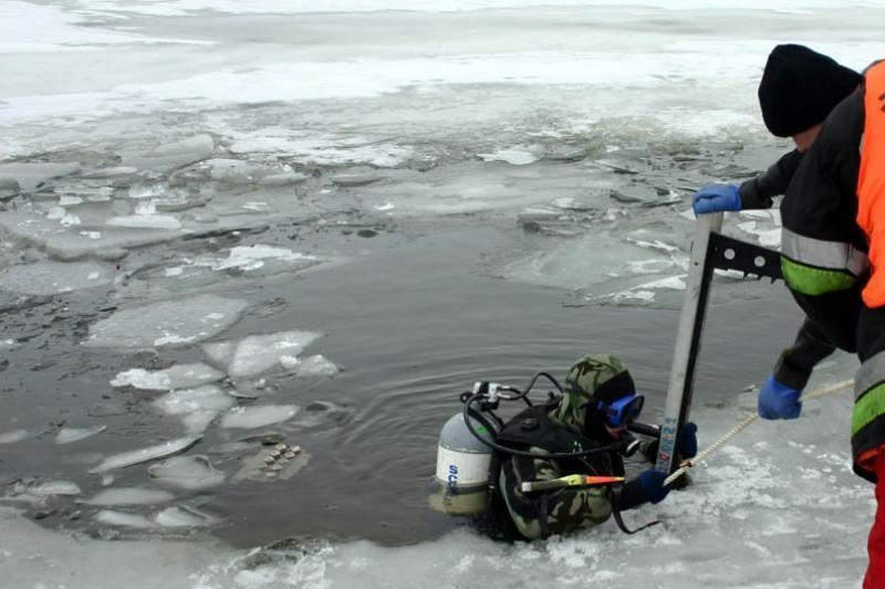Skuode išgelbėtas ant atskilusios ledo lyties buvęs paauglys