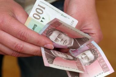 Seimo kanceliarija premijų neatsisako ir sunkmečiu