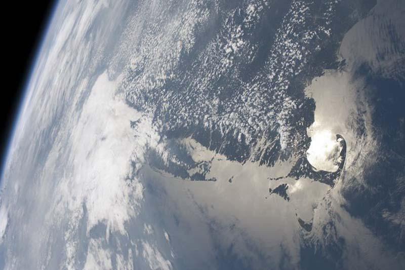 Minutė fizikos: kaip sektųsi keliauti kiaurai Žemę?