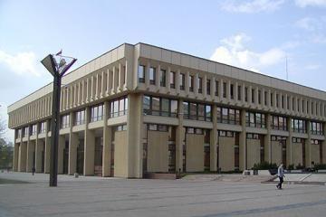 Reikiamą parašų kiekį surinko 18 kandidatų į Seimą