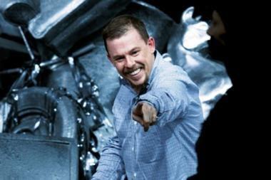 Britų dizaineris McQueenas pasikorė drabužių spintoje