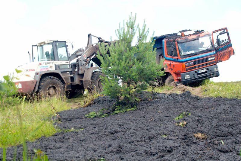 Lenkijoje mikroautobusui susidūrus su sunkvežimiu, žuvo aštuoni žmonės
