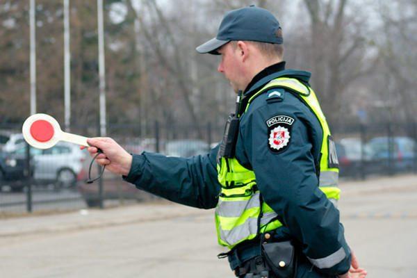 Šventinį savaitgalį darbuosis gausesnės policijos pajėgos