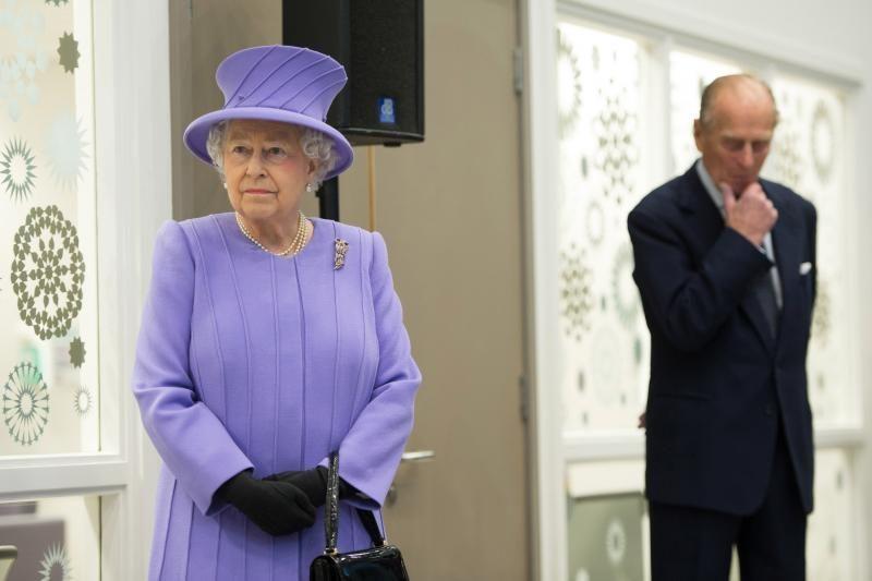 Didžiosios Britanijos karalienė Elizabeth II paguldyta į ligoninę