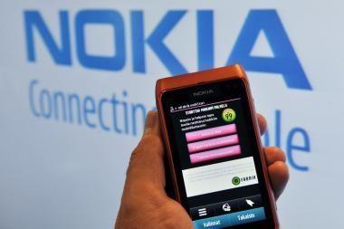 """Dalis """"Nokia N8"""" pirmųjų modelių yra brokuoti"""