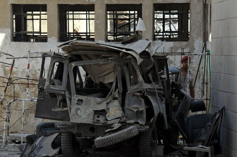 Damaske prie saugumo pastatų sprogo dvi bombos