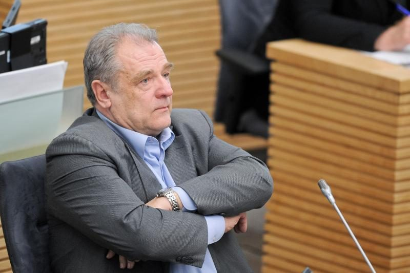 Seimo narys J.Veselka: tauta bus apgauta švariai
