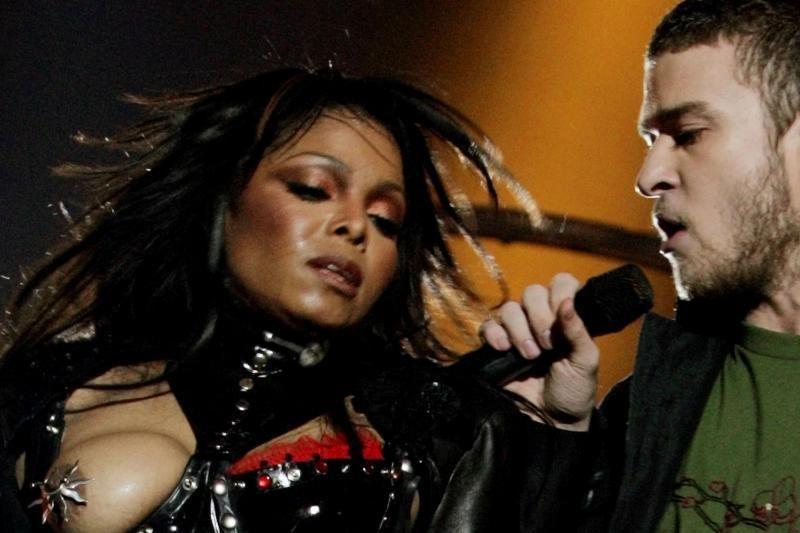 """Išplatintas itin detalus įspėjimas įžymybėms dėl nuogybių per """"Grammy"""""""