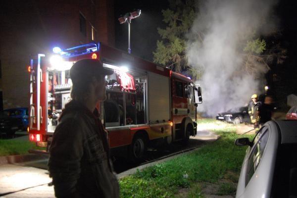 Giruliuose sudegė mikroautobusas