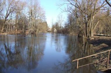 Kelyje Šilutė-Rusnė vandens gylis 87 cm